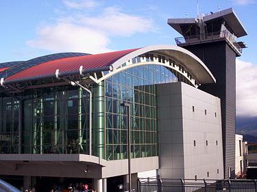 https://es.wikipedia.org/wiki/Aeropuerto_Internacional_Juan_Santamar%C3%ADa